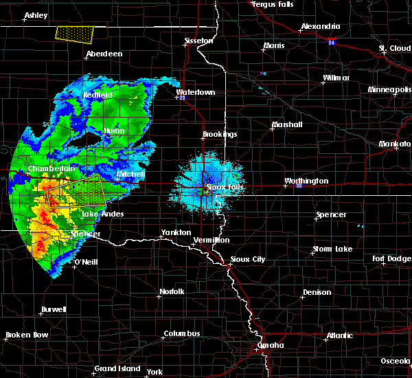 Radar Image for Severe Thunderstorms near Platte, SD at 7/24/2020 10:12 PM CDT