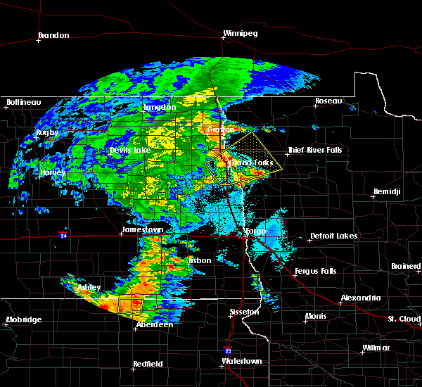 Radar Image for Severe Thunderstorms near Emerado, ND at 7/24/2020 10:37 PM CDT