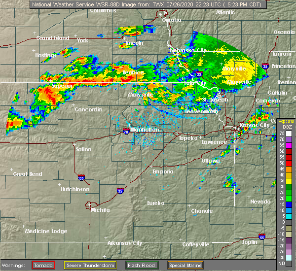 Radar Image for Severe Thunderstorms near Wymore, NE at 7/26/2020 5:25 PM CDT