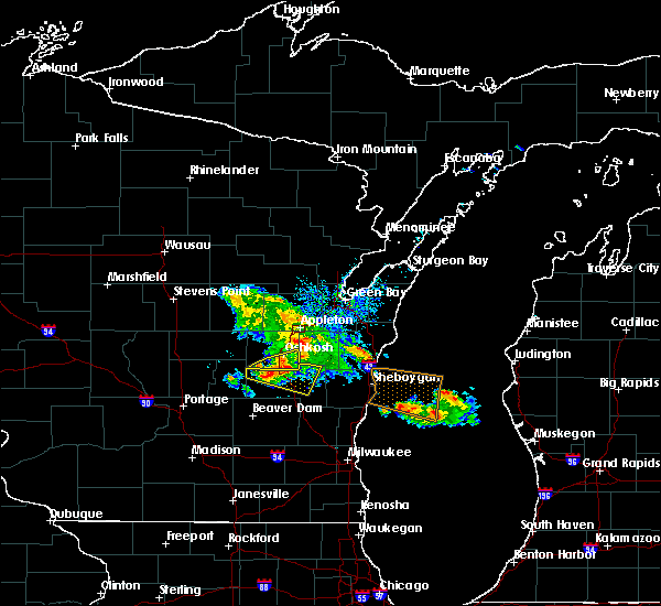 Radar Image for Severe Thunderstorms near Van Dyne, WI at 7/28/2020 6:01 PM CDT