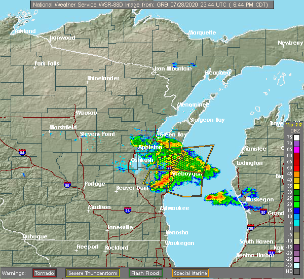 Radar Image for Severe Thunderstorms near Manitowoc, WI at 7/28/2020 6:52 PM CDT