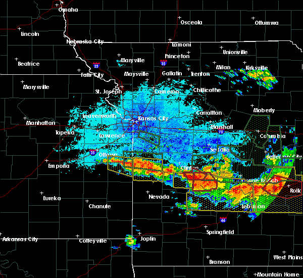 Radar Image for Severe Thunderstorms near La Cygne, KS at 7/1/2015 11:23 PM CDT