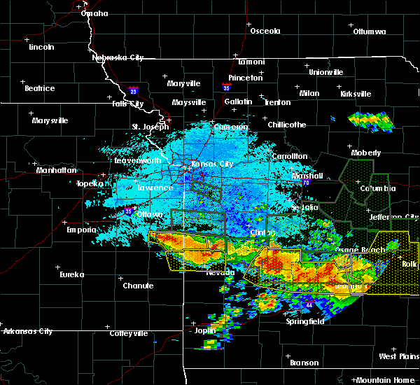 Radar Image for Severe Thunderstorms near Mound City, KS at 7/2/2015 12:22 AM CDT