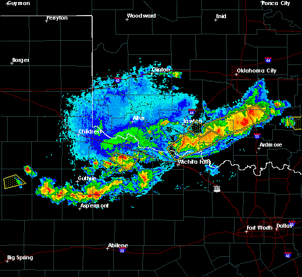 Radar Image for Severe Thunderstorms near Indiahoma, OK at 7/30/2020 6:34 PM CDT