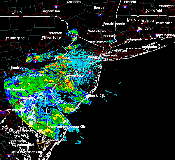 Radar Image for Severe Thunderstorms near Newtown, PA at 7/30/2020 11:30 PM EDT