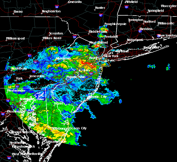Radar Image for Severe Thunderstorms near Kendall Park, NJ at 7/31/2020 12:57 AM EDT