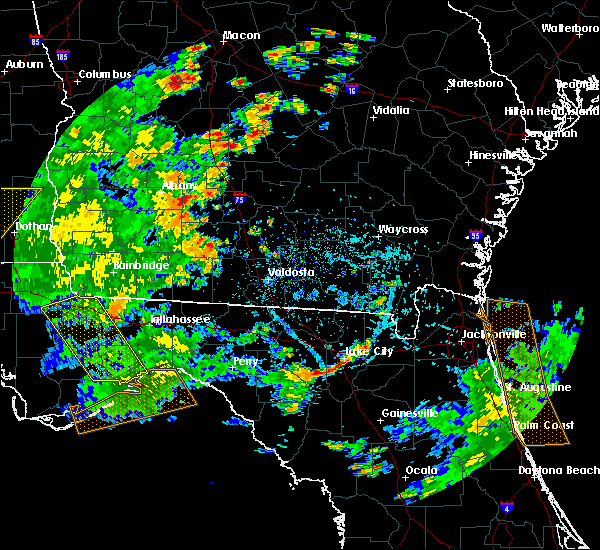 Radar Image for Severe Thunderstorms near Moultrie, GA at 7/2/2015 3:49 PM EDT