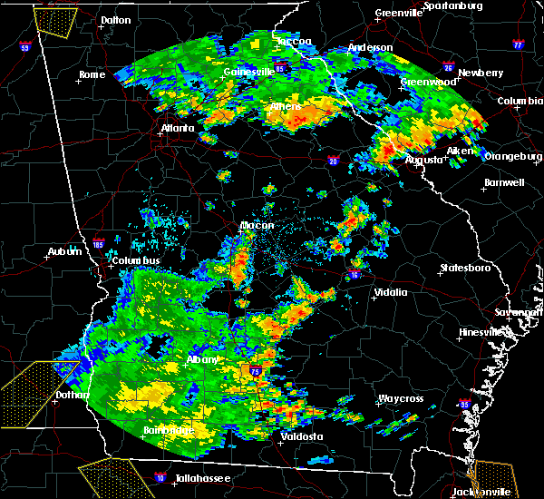 Radar Image for Severe Thunderstorms near Robins AFB, GA at 7/2/2015 4:27 PM EDT
