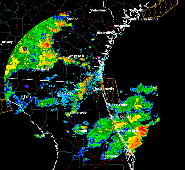 Radar Image for Severe Thunderstorms near Callahan, FL at 7/2/2015 5:12 PM EDT
