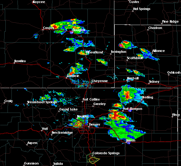 Radar Image for Severe Thunderstorms near Sterling, CO at 8/5/2020 4:33 PM MDT