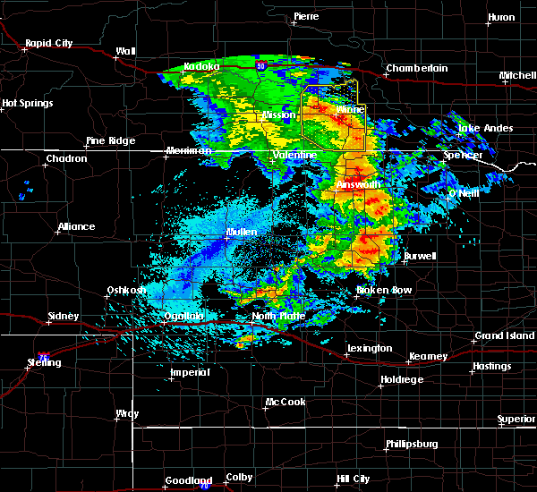 Radar Image for Severe Thunderstorms near Platte, SD at 8/8/2020 11:21 PM CDT