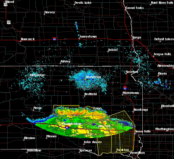 Radar Image for Severe Thunderstorms near Oldham, SD at 8/9/2020 1:35 AM CDT