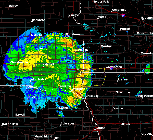 Radar Image for Severe Thunderstorms near George, IA at 8/9/2020 2:39 AM CDT