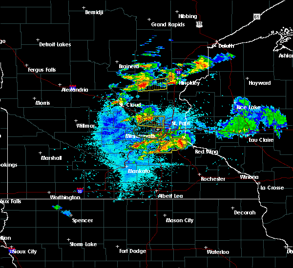 Radar Image for Severe Thunderstorms near Mora, MN at 8/10/2020 3:18 AM CDT