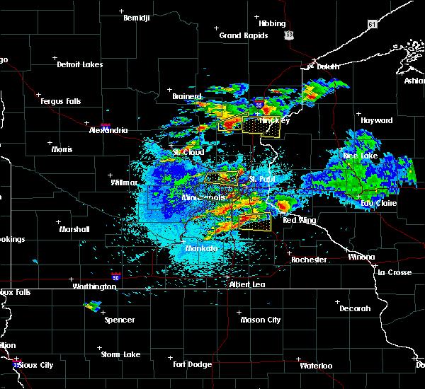 Radar Image for Severe Thunderstorms near Mora, MN at 8/10/2020 3:41 AM CDT