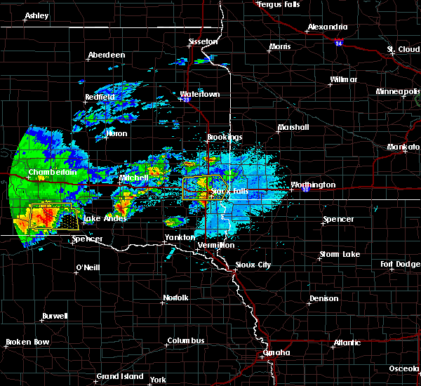 Radar Image for Severe Thunderstorms near Colton, SD at 8/10/2020 5:10 AM CDT