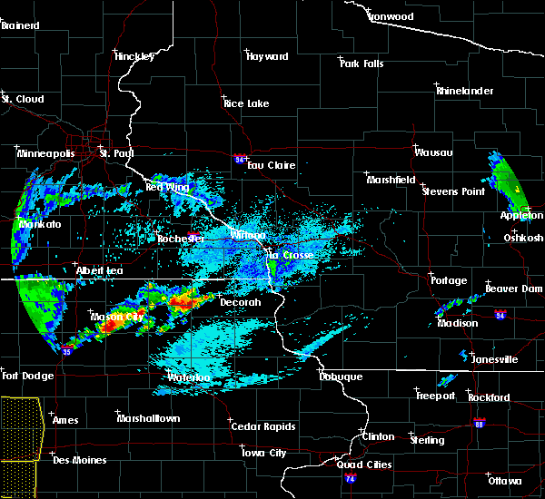 Radar Image for Severe Thunderstorms near Burr Oak, IA at 8/10/2020 10:35 AM CDT