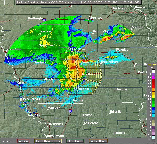 Radar Image for Severe Thunderstorms near Carlisle, IA at 8/10/2020 11:10 AM CDT
