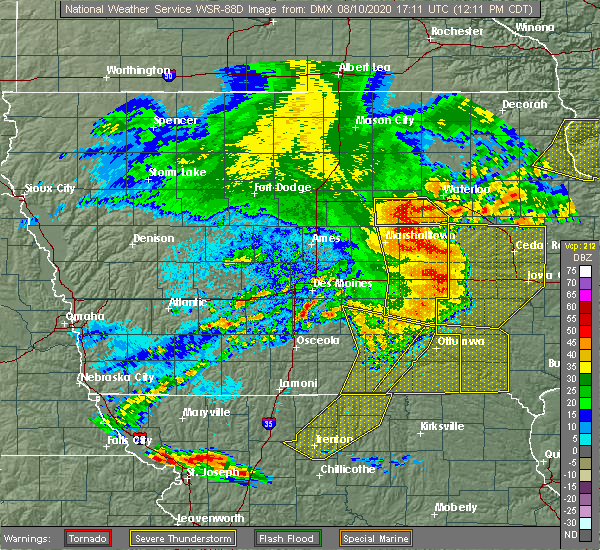 Radar Image for Severe Thunderstorms near Dunkerton, IA at 8/10/2020 12:16 PM CDT