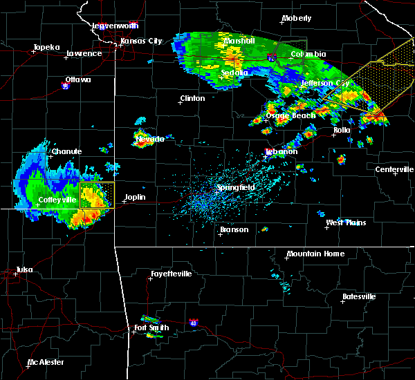 Radar Image for Severe Thunderstorms near Baxter Springs, KS at 8/10/2020 5:25 PM CDT