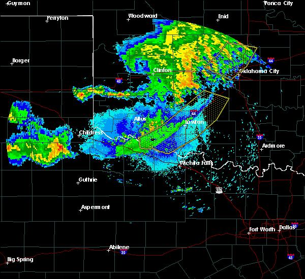 Radar Image for Severe Thunderstorms near Blanchard, OK at 8/10/2020 11:44 PM CDT