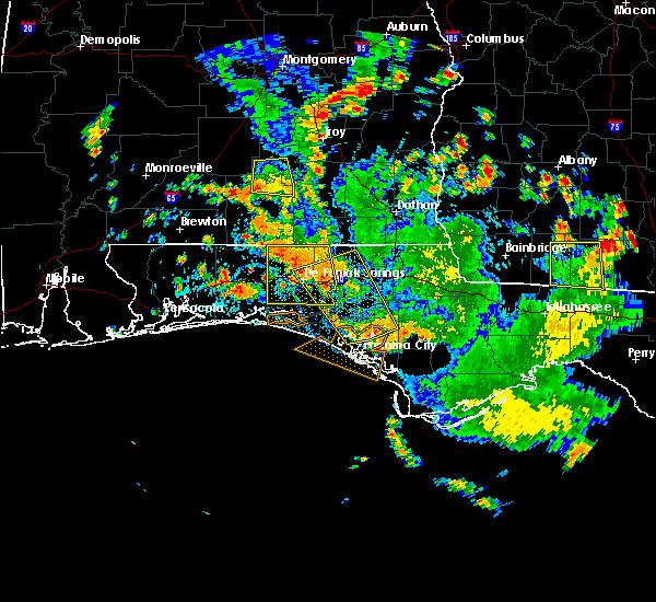 Radar Image for Severe Thunderstorms near Lynn Haven, FL at 8/11/2020 4:06 PM CDT