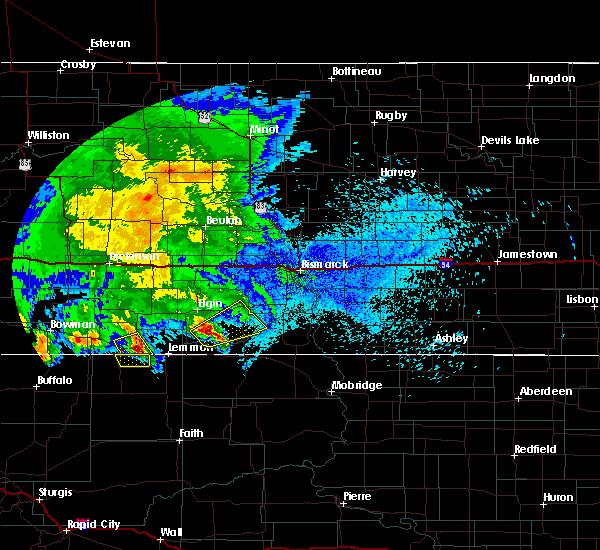 Radar Image for Severe Thunderstorms near Haynes, ND at 8/14/2020 1:58 AM MDT