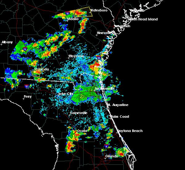 Radar Image for Severe Thunderstorms near St. Simons, GA at 7/4/2015 4:09 PM EDT