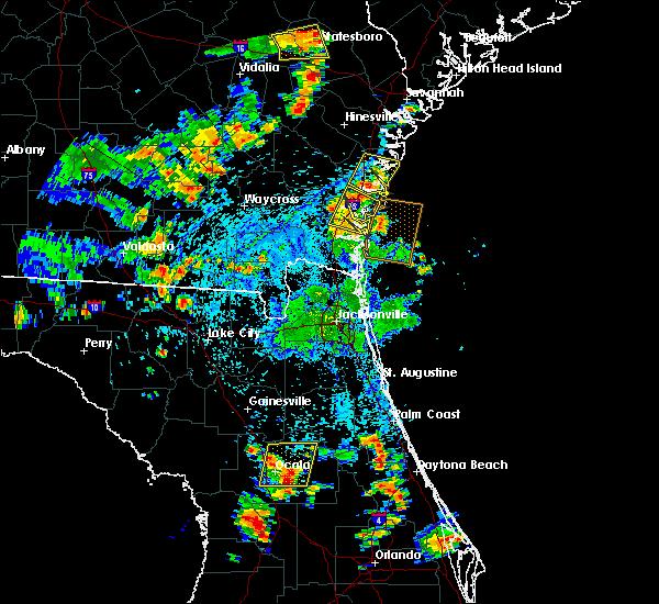 Radar Image for Severe Thunderstorms near Darien, GA at 7/4/2015 4:28 PM EDT