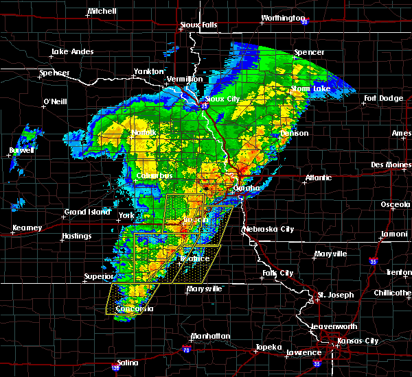 Radar Image for Severe Thunderstorms near Omaha, NE at 10/11/2020 10:13 PM CDT