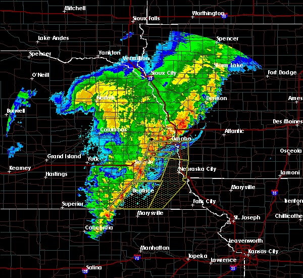 Radar Image for Severe Thunderstorms near Omaha, NE at 10/11/2020 10:28 PM CDT
