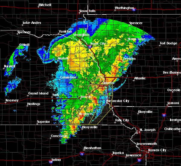 Radar Image for Severe Thunderstorms near Omaha, NE at 10/11/2020 10:41 PM CDT