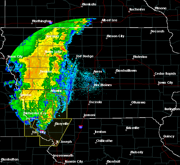 Radar Image for Severe Thunderstorms near Murray, IA at 10/11/2020 11:55 PM CDT