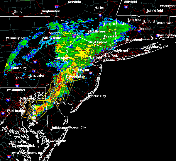 Radar Image for Severe Thunderstorms near Roebling, NJ at 7/9/2015 8:13 PM EDT