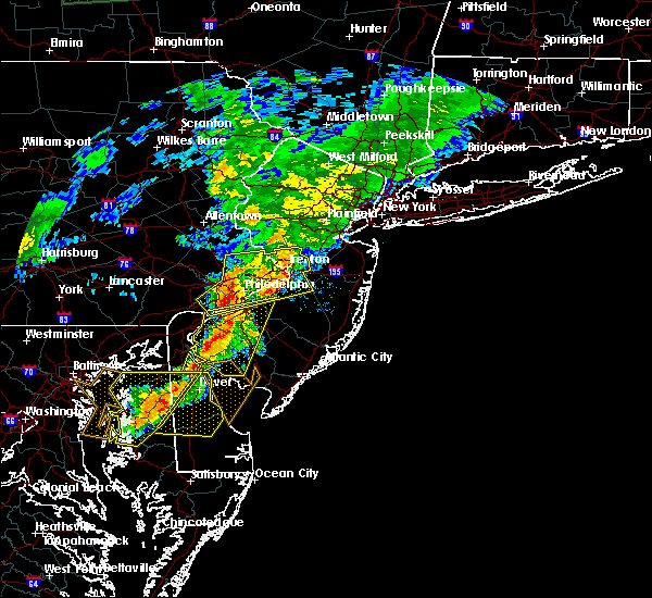 Radar Image for Severe Thunderstorms near Clayton, NJ at 7/9/2015 8:22 PM EDT