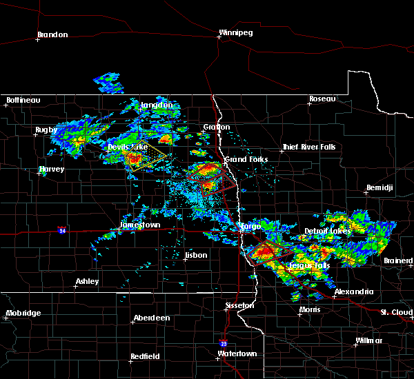 Radar Image for Severe Thunderstorms near East Grand Forks, MN at 7/12/2015 4:06 PM CDT