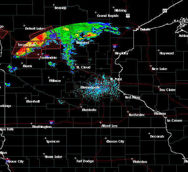 Radar Image for Severe Thunderstorms near Bertha, MN at 7/12/2015 6:27 PM CDT
