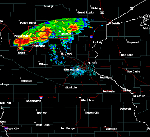 Radar Image for Severe Thunderstorms near Cyrus, MN at 7/12/2015 7:13 PM CDT