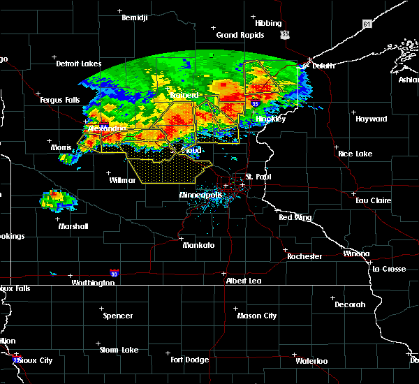 Radar Image for Severe Thunderstorms near Litchfield, MN at 7/12/2015 8:57 PM CDT