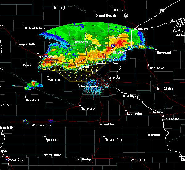 Radar Image for Severe Thunderstorms near Litchfield, MN at 7/12/2015 9:23 PM CDT