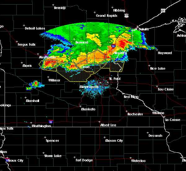 Radar Image for Severe Thunderstorms near St. Francis, MN at 7/12/2015 9:28 PM CDT