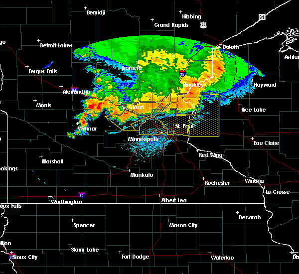 Radar Image for Severe Thunderstorms near Afton, MN at 7/12/2015 10:02 PM CDT