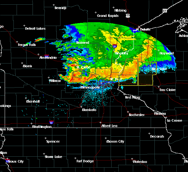 Radar Image for Severe Thunderstorms near Annandale, MN at 7/12/2015 10:52 PM CDT