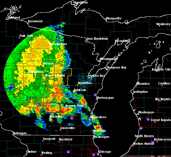 Radar Image for Severe Thunderstorms near Winchester, WI at 7/13/2015 3:35 AM CDT
