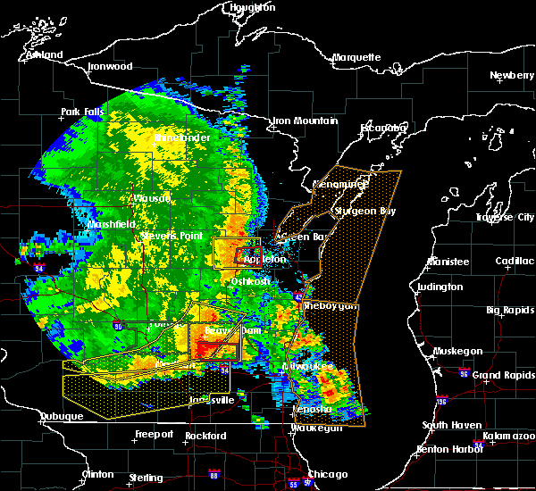Radar Image for Severe Thunderstorms near Little Chute, WI at 7/13/2015 4:22 AM CDT