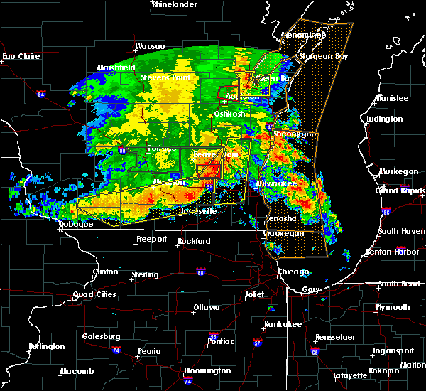 Radar Image for Severe Thunderstorms near Richfield, WI at 7/13/2015 4:43 AM CDT