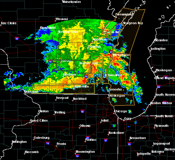 Radar Image for Severe Thunderstorms near Mequon, WI at 7/13/2015 4:55 AM CDT