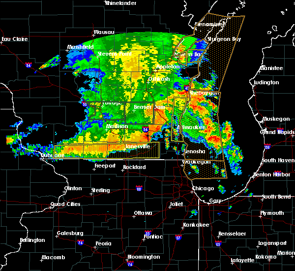 Radar Image for Severe Thunderstorms near Lake Geneva, WI at 7/13/2015 5:02 AM CDT