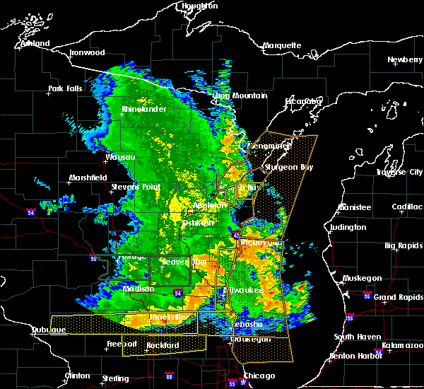Radar Image for Severe Thunderstorms near Bellevue, WI at 7/13/2015 5:11 AM CDT