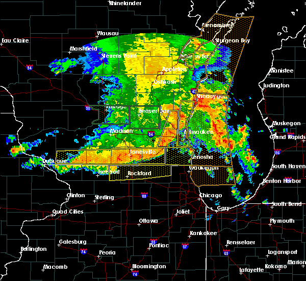 Radar Image for Severe Thunderstorms near Mequon, WI at 7/13/2015 5:17 AM CDT